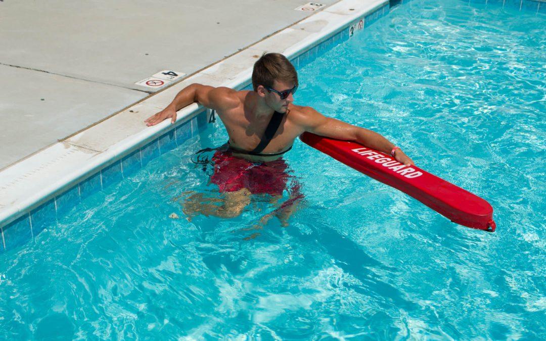 Pracovať ako bazénový plavčík v USA?